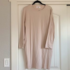 Carly Jean Los Angeles T-shirt Dress with Pockets